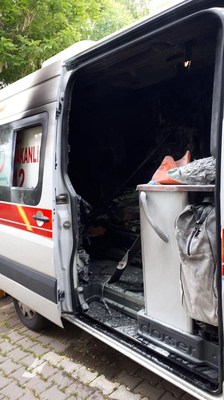 112 Ambulansı Yandı