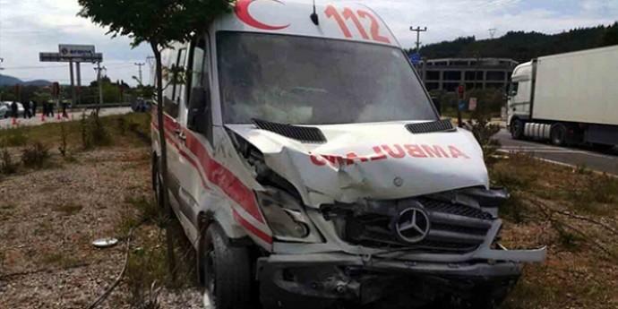 Muğla'da ambulans kaza yaptı: 1 ölü, 2 yaralı