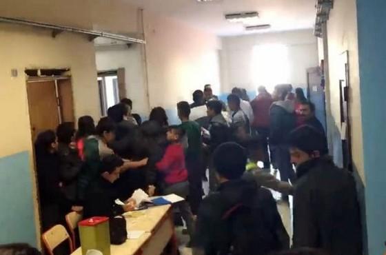 Ağrı'da öğretmenlerle sağlıkçılar birbirine girdi!