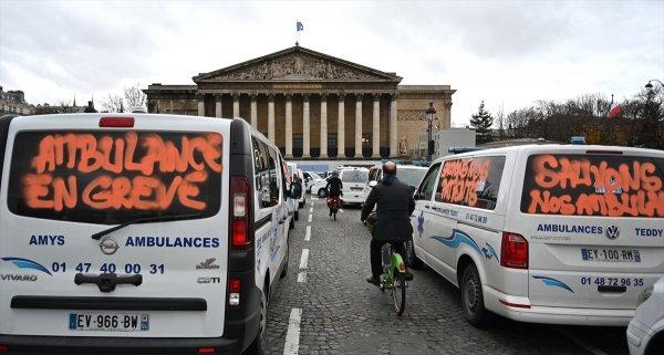 Ambulans çalışanları da eyleme başladı