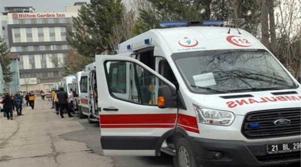 Ambulans hayat kurtarmak için yol ister