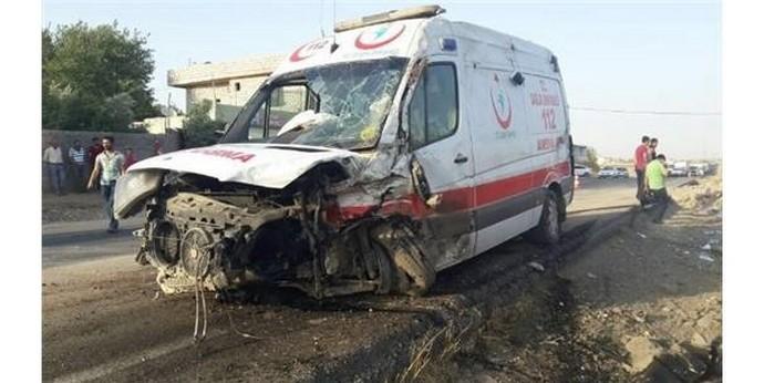 Ambulans ile Kamyonet Çarpıştı:9 Yaralı