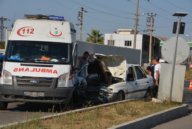 Ambulans İle Otomobil Çarpıştı! 7 Yaralı