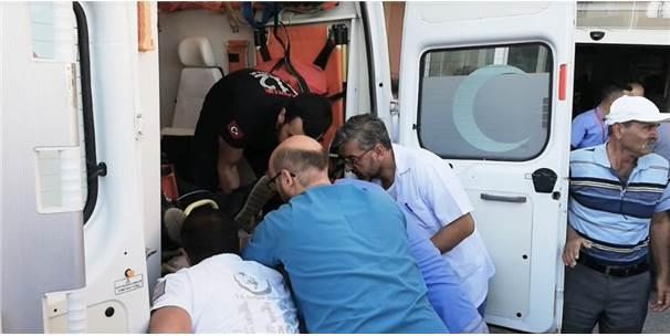 Ambulans Sedyesi Sıkışınca Arbede Yaşandı