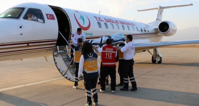 Ambulans uçaklar 10 bin hasta uçurdu