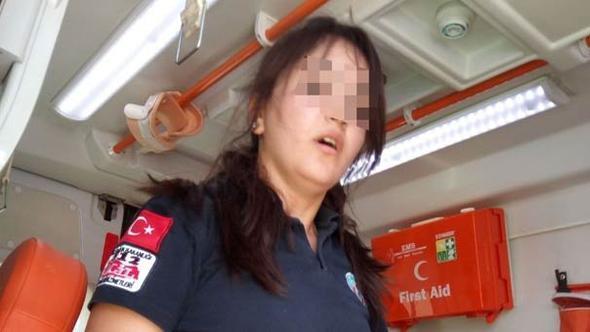 Ambulansta dehşet anları... Ağır yaralanan adam 112 ekibini boğmaya çalıştı!
