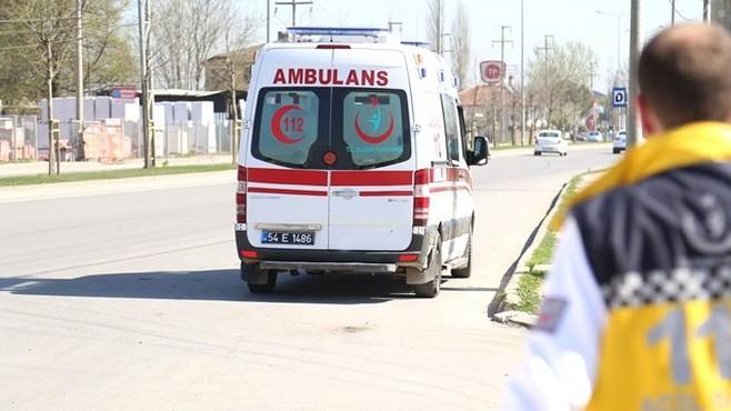 Geri Manevra Yapan Ambulansın Altında Kalan Yaşlı Adam Öldü