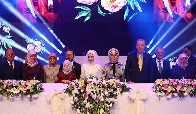 Bakan Recep Akdağ oğlunu evlendirdi