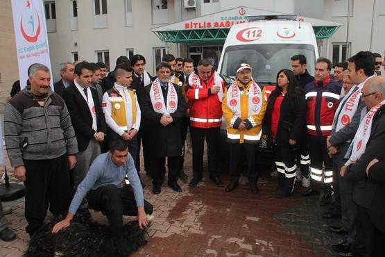 Bitlis'teki sağlık personelleri Afrin'e böyle uğurlandı