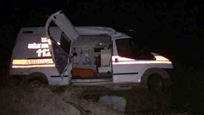 Kaza Yerine Giden Ambulans Takla Attı: 3 Yaralı