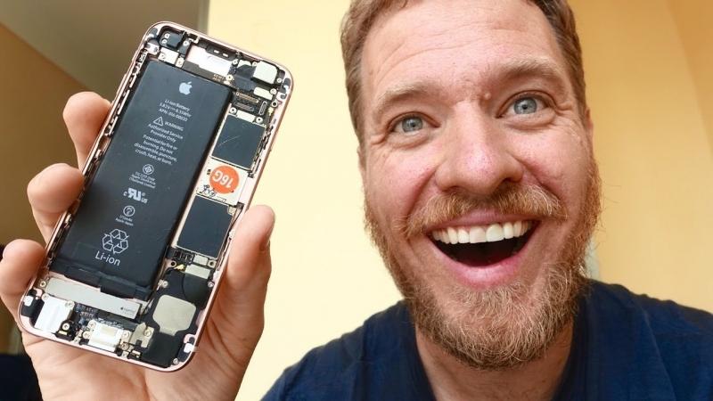 Piyasadan parçalar toplayıp kendine iPhone 6s yaptı