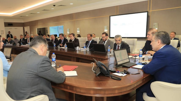 Sağlık Bakanı Dr. Fahrettin Koca ilk talimatlarını verdi