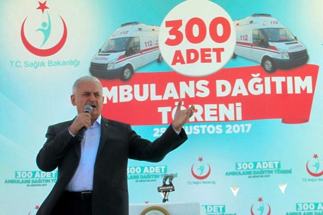 Sağlık Bakanlığı 300 yeni ambulansı hizmete sundu