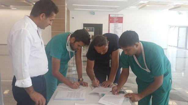 Sağlık çalışanları yıpranma payı için imza topluyor