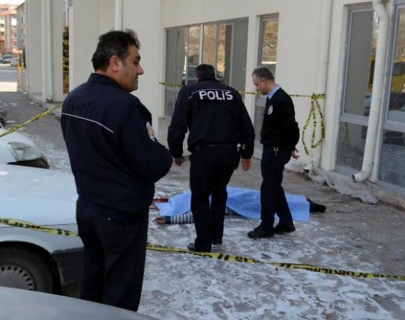 Sağlık memuru 4'üncü kattan atlayıp intihar etti