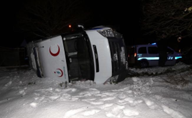 Samsun'da ambulans devrildi!
