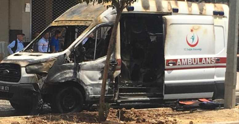 Seyir Halindeki Ambulans Yandı