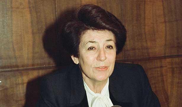 Türkiye'nin tek kadın Sağlık Bakanı hayatını kaybetti