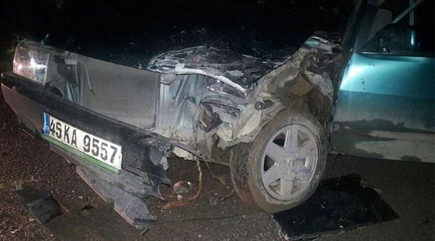 Yaralı taşınan otomobil, ambulans ile çarpıştı