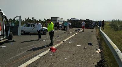 1 Mayıs'a giden sağlık çalışanları kaza yaptı! Ölü ve yaralılar var!