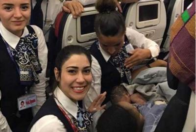 13 bin metre yüksekte THY kabin ekibi doğum yaptırdı!