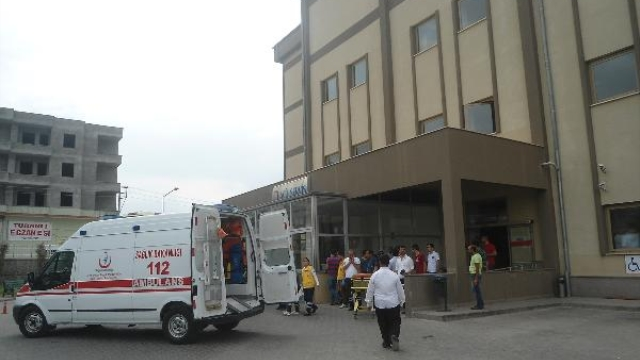 Hasta Taşıyan Ambulans Kaza Yaptı: 1 Yaralı
