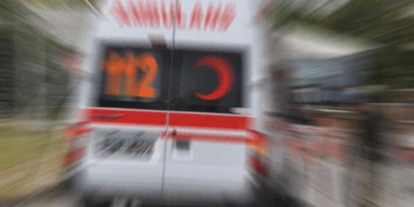 Otomobille Çarpışan Ambulans Takla Attı: 3 Yaralı