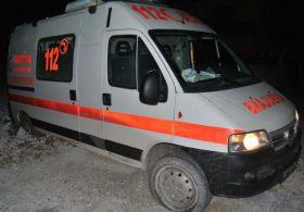 Çamura Saplanan Ambulans 1,5 Saatte Kurtarıldı