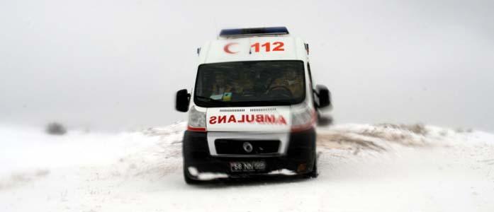 Hasta Almaya Giden Ambulans Yolda Mahsur Kaldı