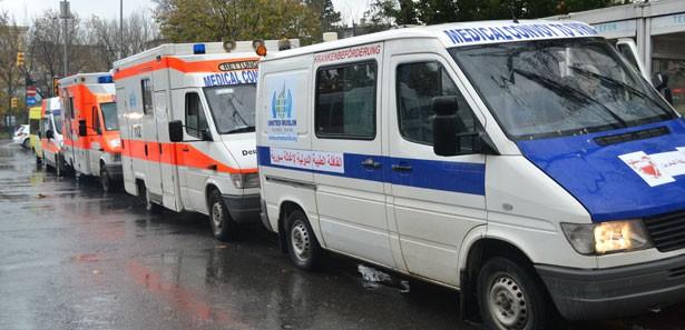 Avrupalı aktivistler 6 ambulansla Suriye