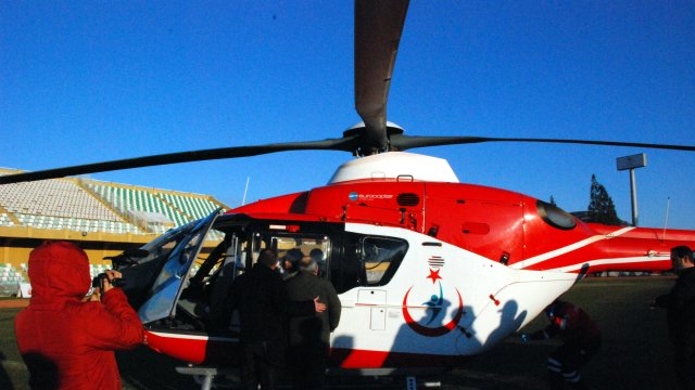 Ambulans Helikopter, Başhekim Yardımcısının Eşi İçin Havalandı