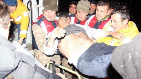 Hasta taşıyan ambulans gölete uçtu