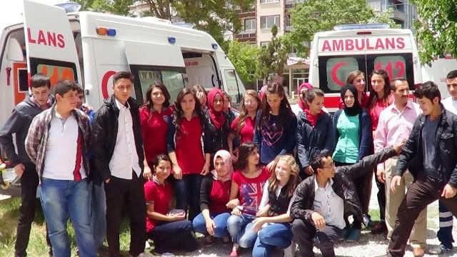 Sandıklı Sağlık Meslek Lisesi Öğrencilerine 112 Acil Servis Ambulansı Tanıtıldı