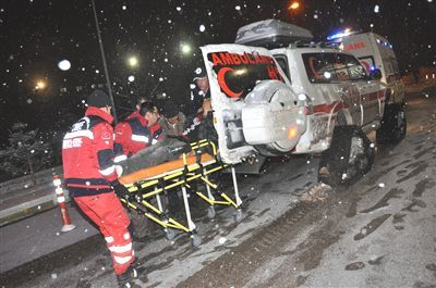 Ambulans Kara Saplanınca Hasta Kadına UMKE Ekibi Ulaştı!