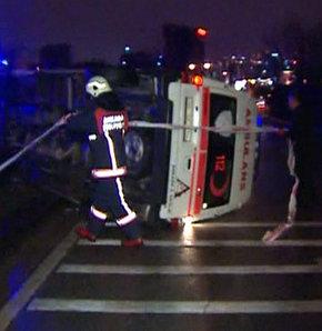 Ankara'da Ambulans Devrildi