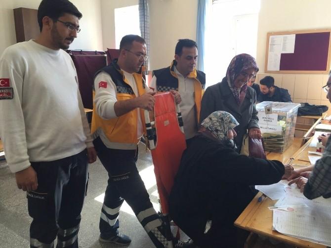 Konya'da 292 Vatandaş Ambulansla Taşınarak Oylarını Kullandı