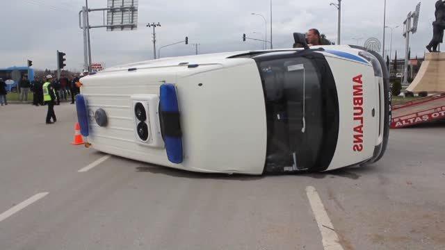Osmaniye'de ambulansla otomobil çarpıştı: 5 yaralı
