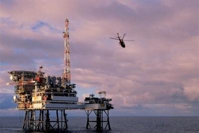 Ambulans helikopter Hazar Denizi'ne düştü: 5 ölü