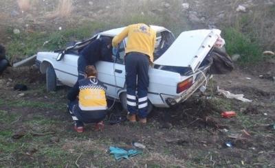 Ambulans İle Otomobil Çarpıştı, Aynı Aileden 5 Kişi Hayatını Kaybetti