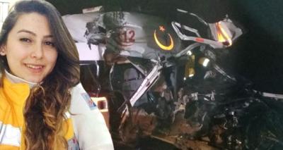 Ambulans TIR'a Arkadan Çarptı! Feci Kazada Sağlık Görevlisi Şehit Oldu