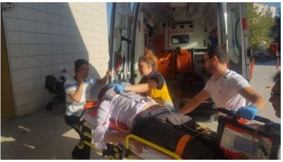Ambulans Yayaya Çarptı