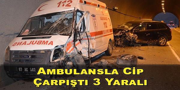 Ambulans İle Cip Çarpıştı, Sürücü ve 2 ATT Yaralandı