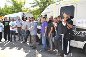 Suriyeli Muhaliflere 13 Ambulans