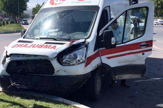Kahramanmaraş'ta ambulans ile otomobil çarpıştı: 1 ölü