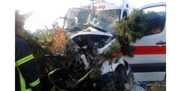 Söke'de Ambulans Kaza Yaptı