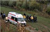 Ambulans çamura saplandı