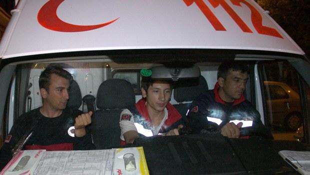 Acil serviste ambulans ekibiyle doktor kavgası