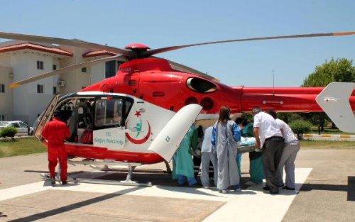 Hastane çalışanı, ambulans helikopterde hayatını kaybetti