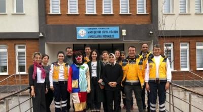 Engelli öğrencilerin 'Ambulans' sevinci