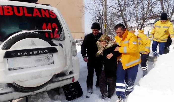 Paletli ambulans hayat kurtardı